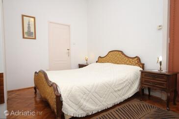 Opatija - Volosko, Bedroom in the room, dopusteni kucni ljubimci.