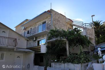 Brela, Makarska, Property 789 - Apartments with pebble beach.