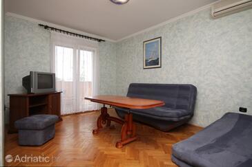 Opatija, Living room in the apartment, dostupna klima i WIFI.