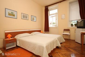 Opatija, Bedroom in the room, dostupna klima.