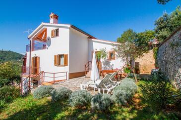 Smolići, Labin, Obiekt 7930 - Apartamenty ze żwirową plażą.