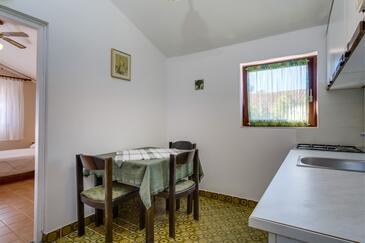 Artatore, Dining room in the apartment, dopusteni kucni ljubimci i WIFI.