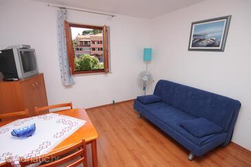 Mali Lošinj, Living room in the apartment, dostupna klima i WIFI.
