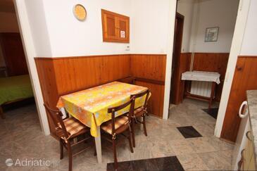 Mali Lošinj, Dining room in the apartment, dopusteni kucni ljubimci i WIFI.