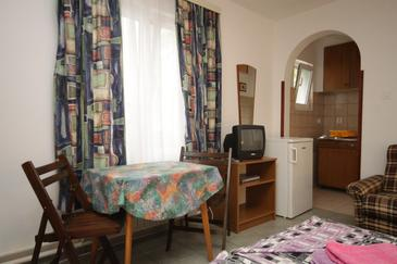 Mali Lošinj, Jadalnia w zakwaterowaniu typu studio-apartment, dopusteni kucni ljubimci i WIFI.