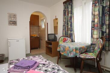 Mali Lošinj, Столовая в размещении типа studio-apartment, Домашние животные допускаются и WiFi.