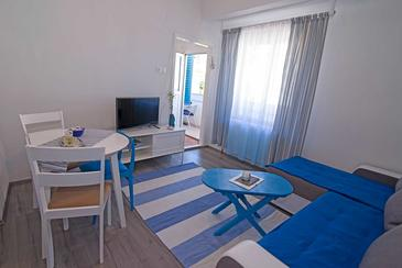 Veli Lošinj, Dining room in the apartment, air condition available and WiFi.