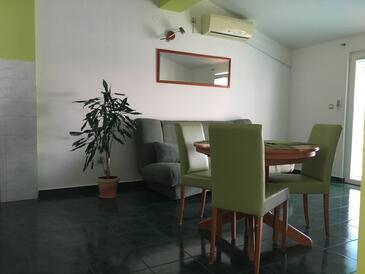 Jezera, Столовая в размещении типа apartment, доступный кондиционер, Домашние животные допускаются и WiFi.