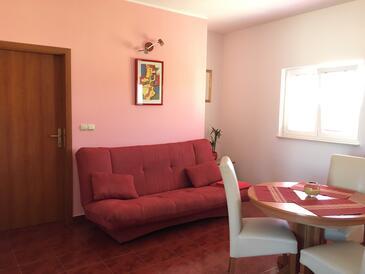 Jezera, Гостиная в размещении типа apartment, доступный кондиционер, Домашние животные допускаются и WiFi.