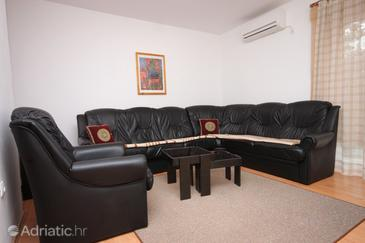 Nerezine, Гостиная в размещении типа apartment, доступный кондиционер, Домашние животные допускаются и WiFi.