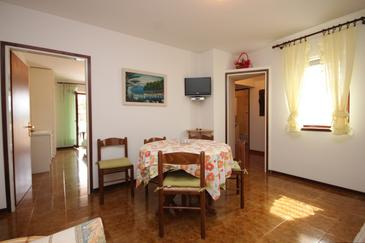 Nerezine, Dining room in the apartment.