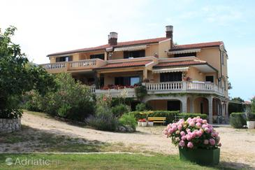 Nerezine, Lošinj, Property 7962 - Apartments near sea with pebble beach.