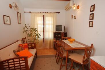 Mali Lošinj, Jadalnia w zakwaterowaniu typu apartment, dostupna klima, dopusteni kucni ljubimci i WIFI.