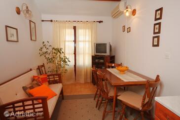 Mali Lošinj, Sala da pranzo nell'alloggi del tipo apartment, condizionatore disponibile, animali domestici ammessi e WiFi.