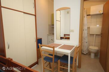 Mali Lošinj, Dining room in the studio-apartment, WIFI.
