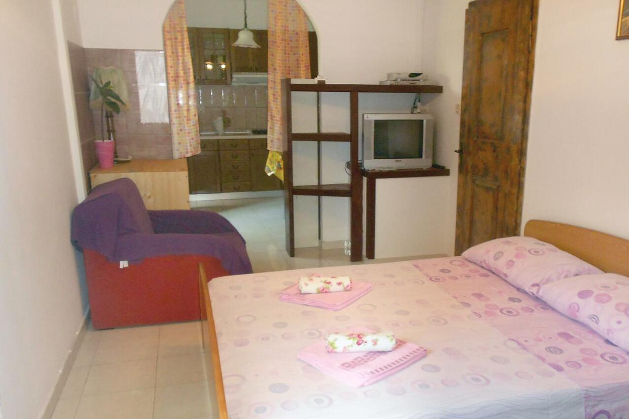 Appartement de vacances Studio Appartment im Ort Cres (Cres), Kapazität 2+0 (1012404), Cres (Stadt), Île de Cres, Kvarner, Croatie, image 5