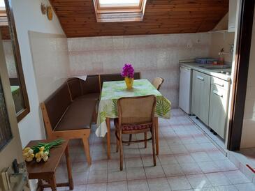 Mali Lošinj, Jedáleň v ubytovacej jednotke apartment, dostupna klima, dopusteni kucni ljubimci i WIFI.