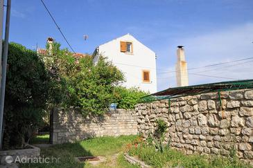 Osor, Lošinj, Property 8004 - Apartments with pebble beach.