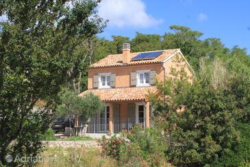 Nerezine, Lošinj, Объект 8016 - Дом для отдыха с галечным пляжем.
