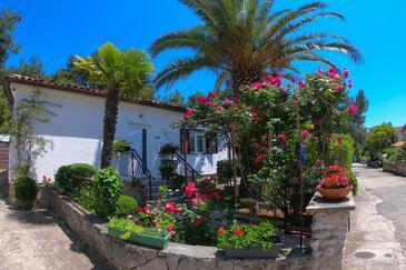 Artatore, Lošinj, Объект 8020 - Апартаменты вблизи моря с галечным пляжем.