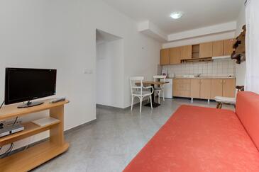 Artatore, Salon dans l'hébergement en type apartment, climatisation disponible, animaux acceptés et WiFi.