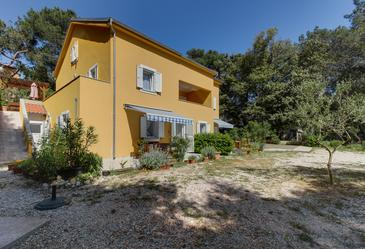 Artatore, Lošinj, Property 8022 - Apartments near sea with pebble beach.