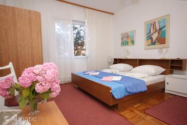 Veli Lošinj, Bedroom in the room, dostupna klima i WIFI.