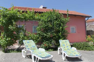 Sveti Jakov, Lošinj, Property 8057 - Apartments with pebble beach.