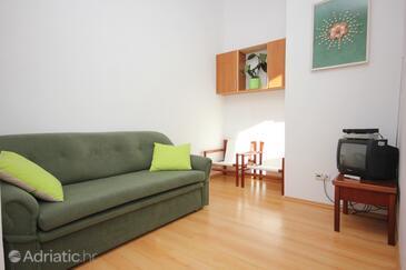 Ilovik, Obývací pokoj v ubytování typu apartment, s klimatizací, domácí mazlíčci povoleni a WiFi.