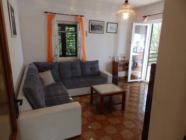 Savar, Living room in the apartment, dopusteni kucni ljubimci i WIFI.