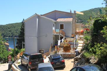 Valun, Cres, Property 8081 - Apartments near sea with pebble beach.