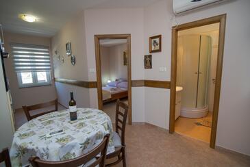 Punta križa, Jídelna v ubytování typu apartment, s klimatizací, domácí mazlíčci povoleni a WiFi.