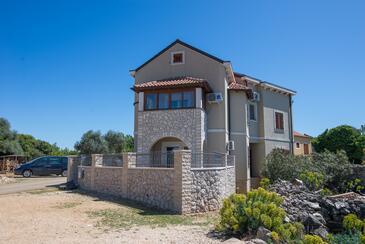 Punta križa, Cres, Объект 8082 - Апартаменты со скалистым пляжем.