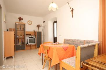 Sali, Dining room in the apartment, air condition available and (pet friendly).