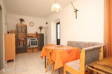 Sali, Столовая в размещении типа apartment, доступный кондиционер и Домашние животные допускаются.