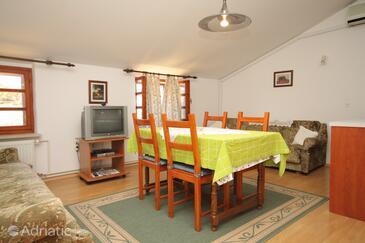 Osor, Столовая в размещении типа apartment, доступный кондиционер.