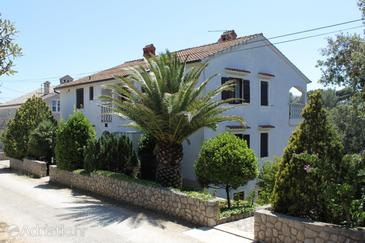 Artatore, Lošinj, Property 8089 - Apartments with pebble beach.