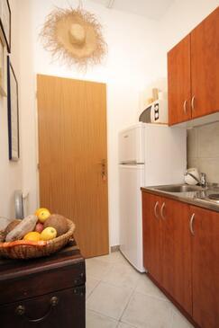 Artatore, Kuhinja u smještaju tipa studio-apartment, kućni ljubimci dozvoljeni i WiFi.
