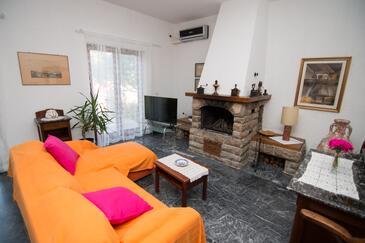 Mali Lošinj, Obývacia izba v ubytovacej jednotke apartment, dostupna klima, dopusteni kucni ljubimci i WIFI.