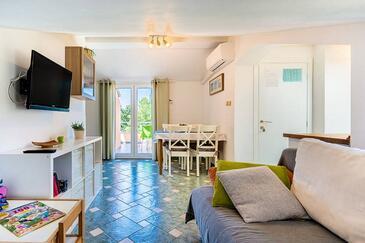 Cres, Obývací pokoj v ubytování typu apartment, domácí mazlíčci povoleni a WiFi.