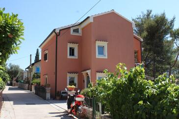 Cres, Cres, Property 8095 - Apartments near sea with pebble beach.