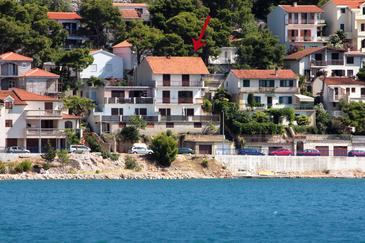 Tisno, Murter, Property 810 - Apartments by the sea.
