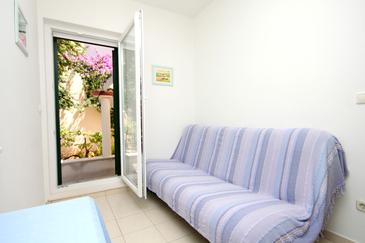 Verunić, Living room in the apartment, air condition available, (pet friendly) and WiFi.