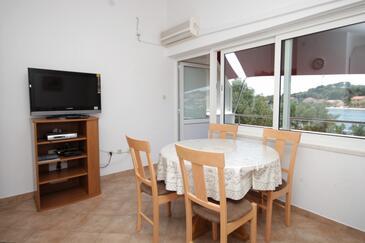 Verunić, Dining room in the apartment, dostupna klima i dopusteni kucni ljubimci.