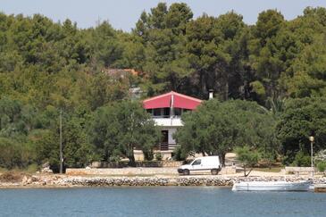 Verunić, Dugi otok, Property 8105 - Apartments by the sea.