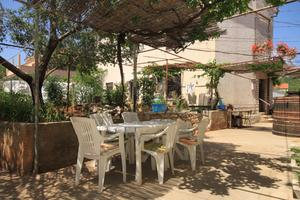 Apartments with a parking space Sali (Dugi otok) - 8109