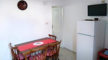 Sali, Dining room in the apartment, (pet friendly) and WiFi.