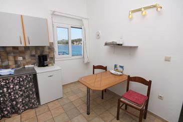 Tisno, Dining room in the studio-apartment, WIFI.