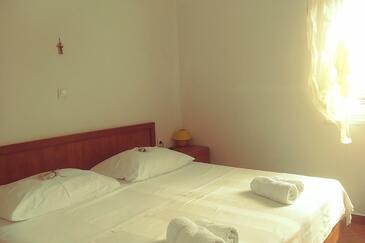 Bedroom    - A-8110-b