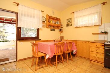 Lavdara, Dining room in the apartment, (pet friendly).